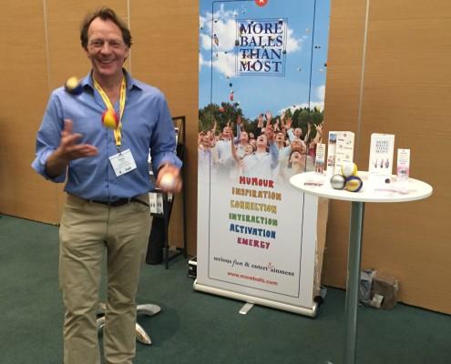 Robert Hersee juggling